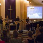 Lovsångskväll i kyrkan